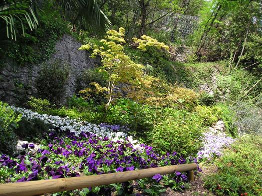 giardino cascata varone